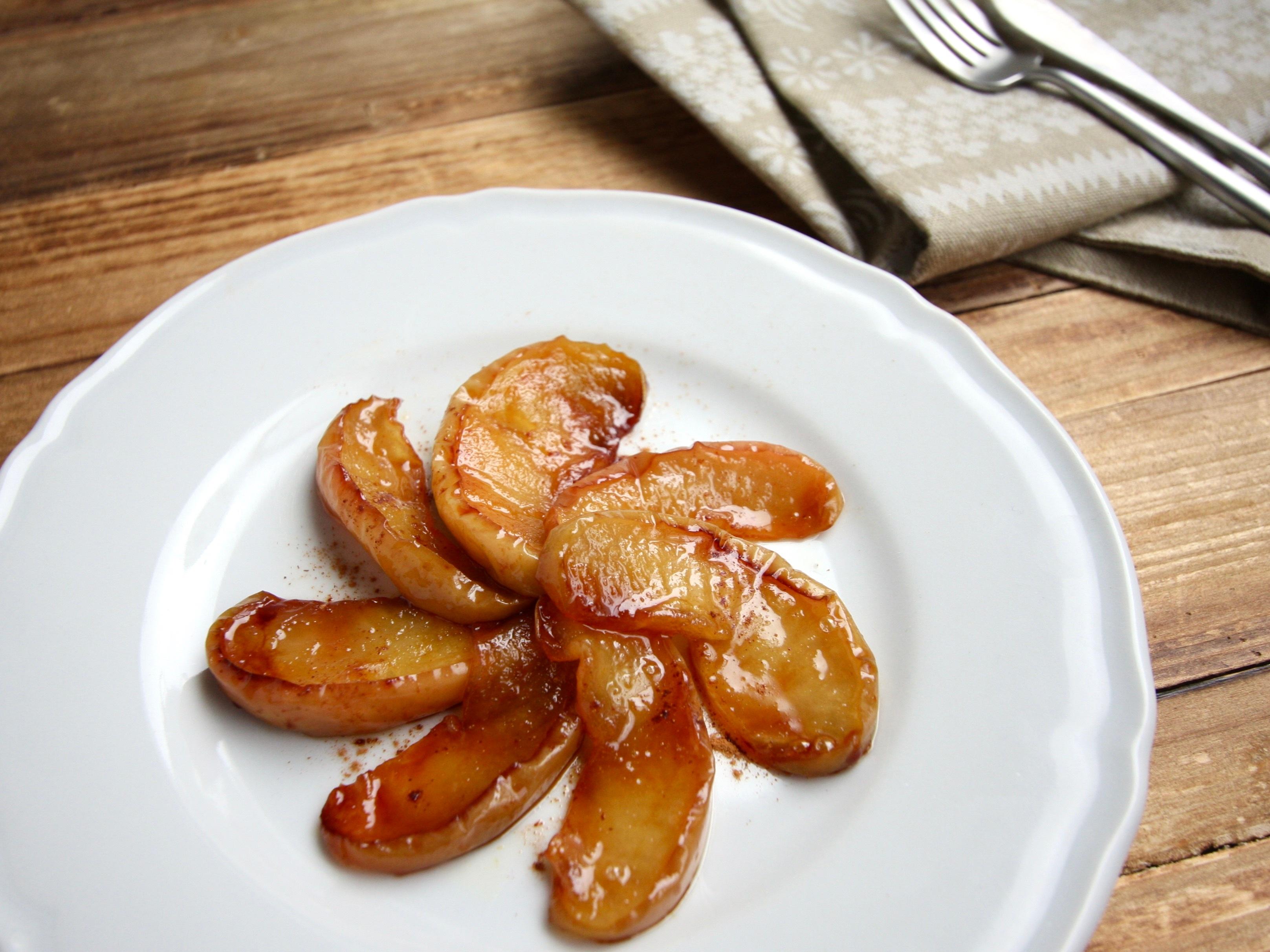 フライパンで焼きりんご