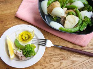 鶏肉と春野菜の蒸し鍋